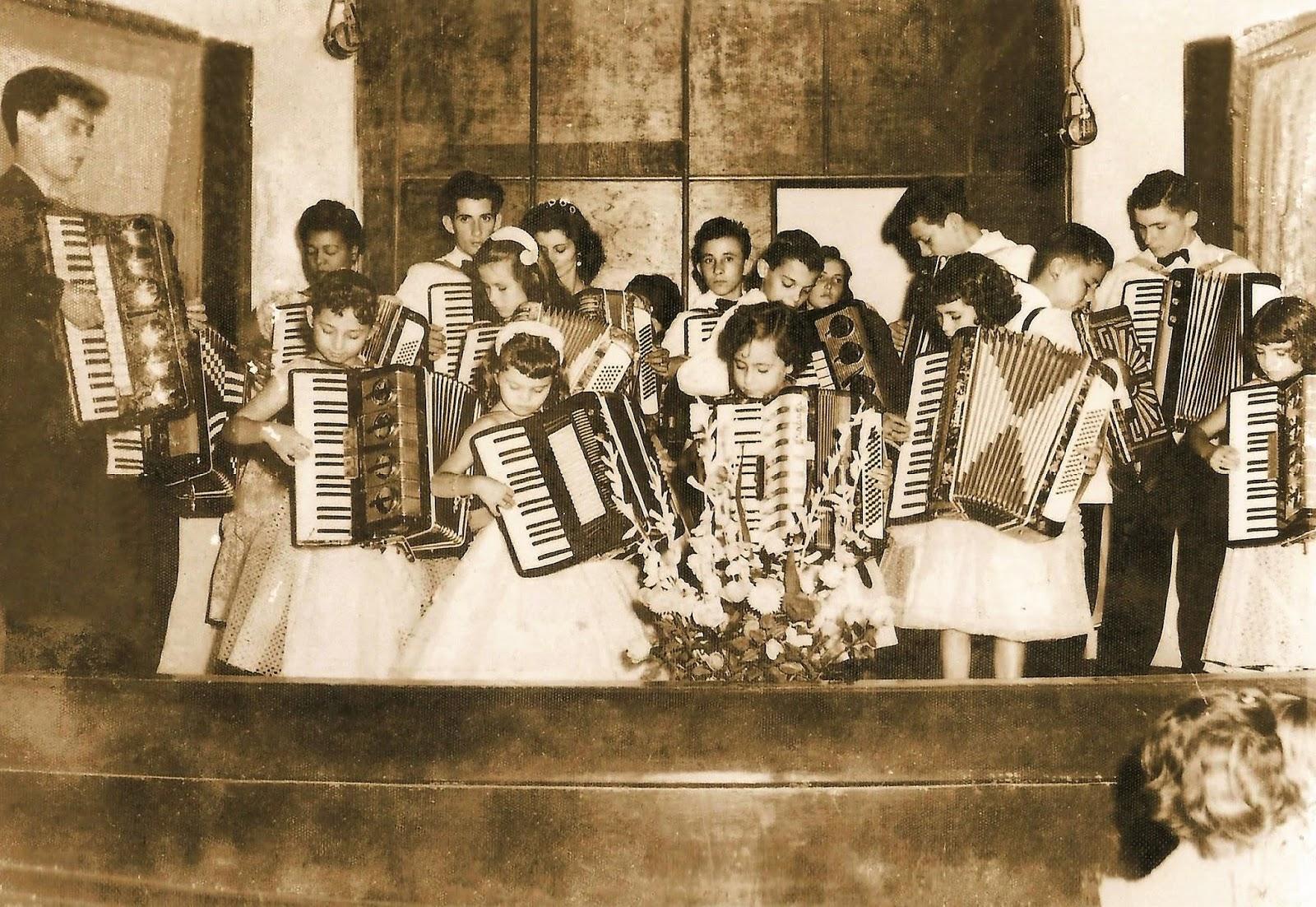 Audição na Rádio Cultura - 1957