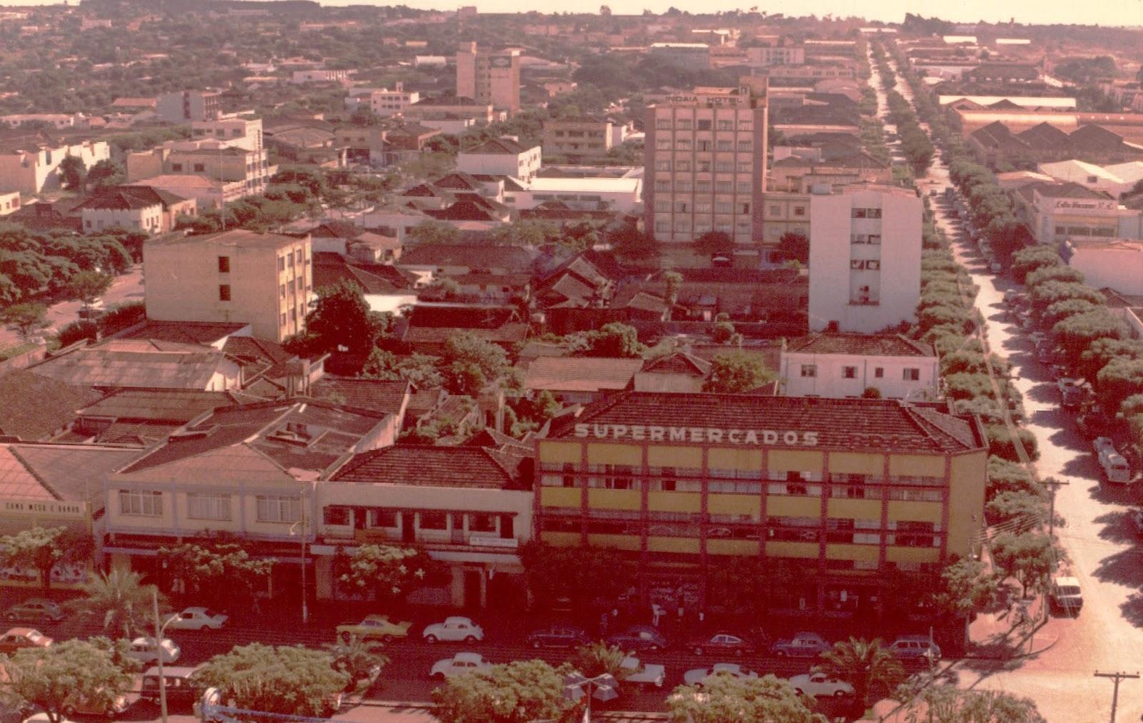 Avenida Duque de Caxias esquina com a rua Joubert de Carvalho - Década de 1970
