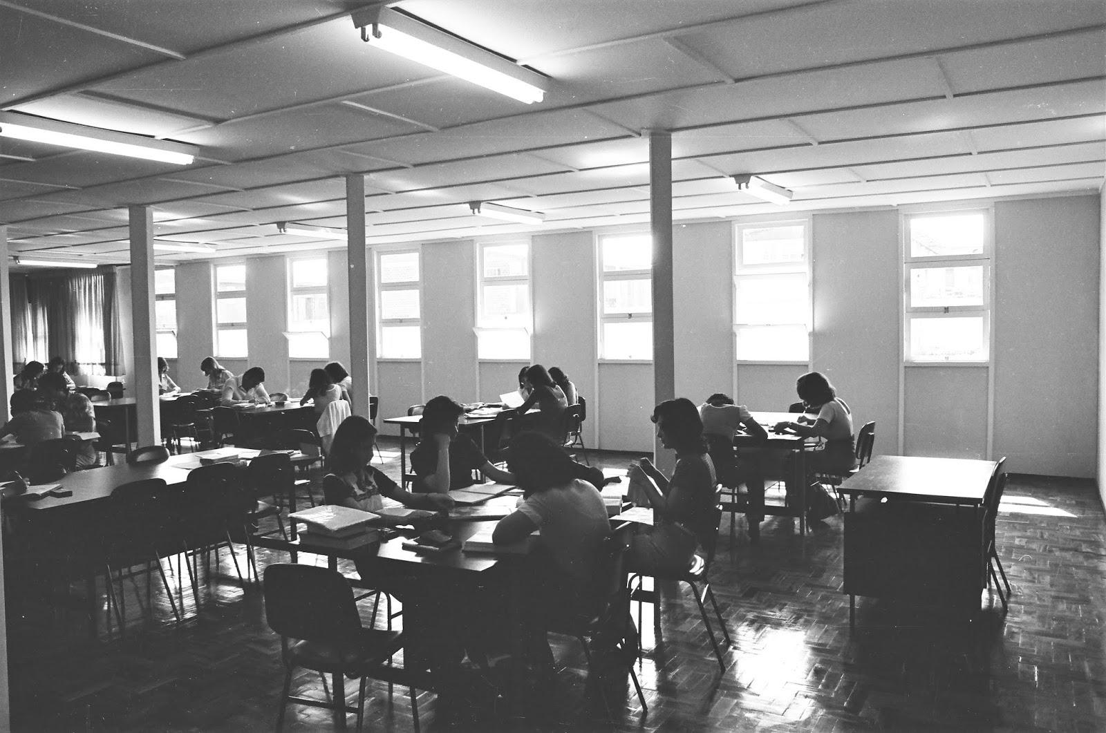 Interior da Biblioteca Central da UEM - Década de 1980