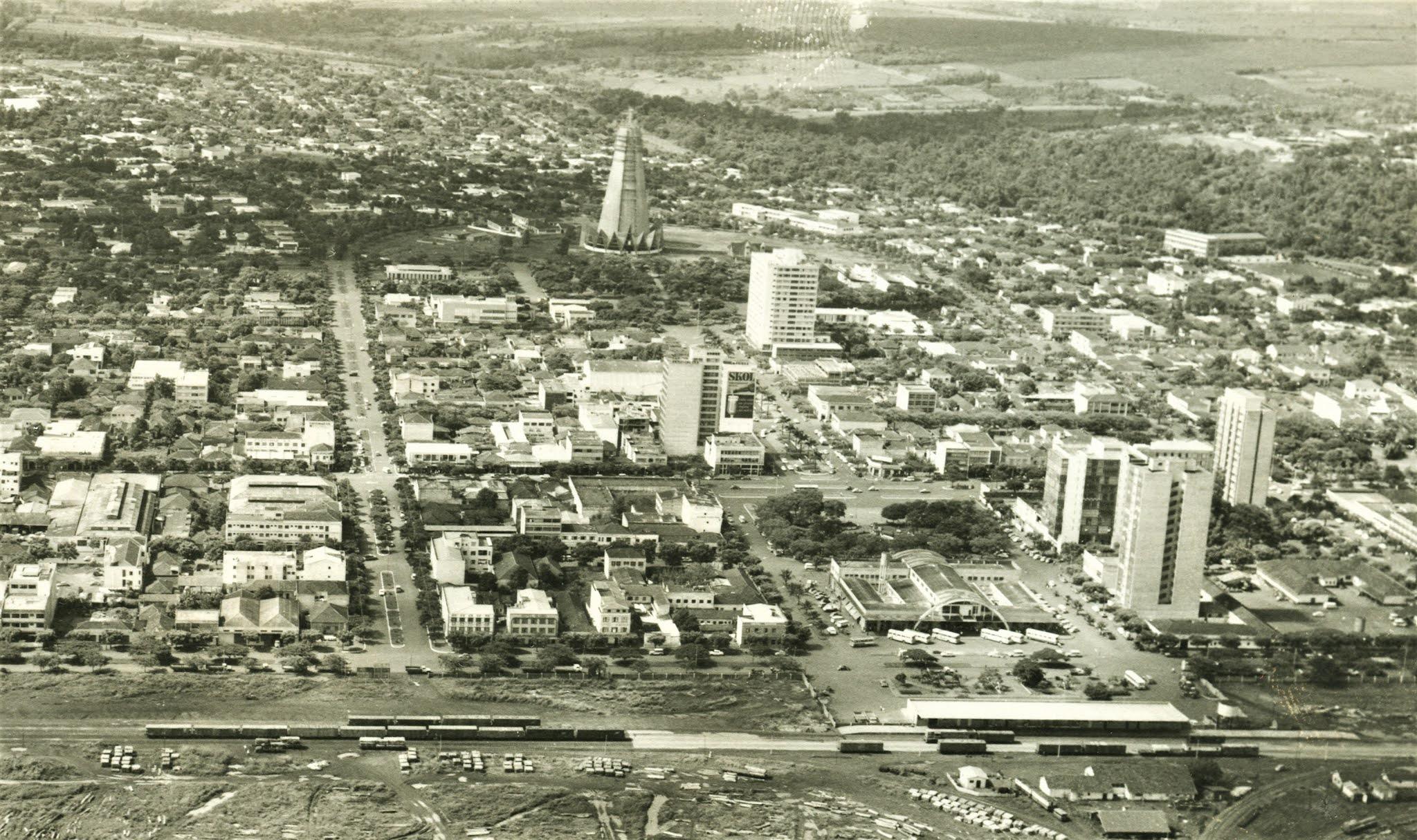Vista aérea do centro - Anos 1970