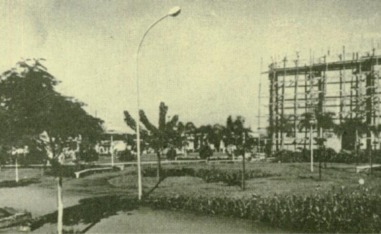 Urbanização da Praça Emiliano Perneta - Década de 1960