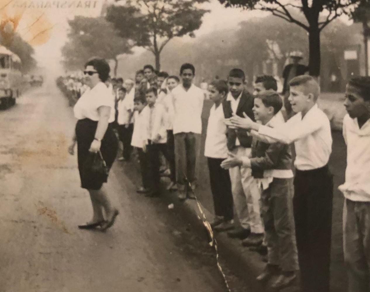 Desfile de aniversário de Maringá - Década de 1960